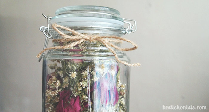 DIY dried roses in jar ribbon
