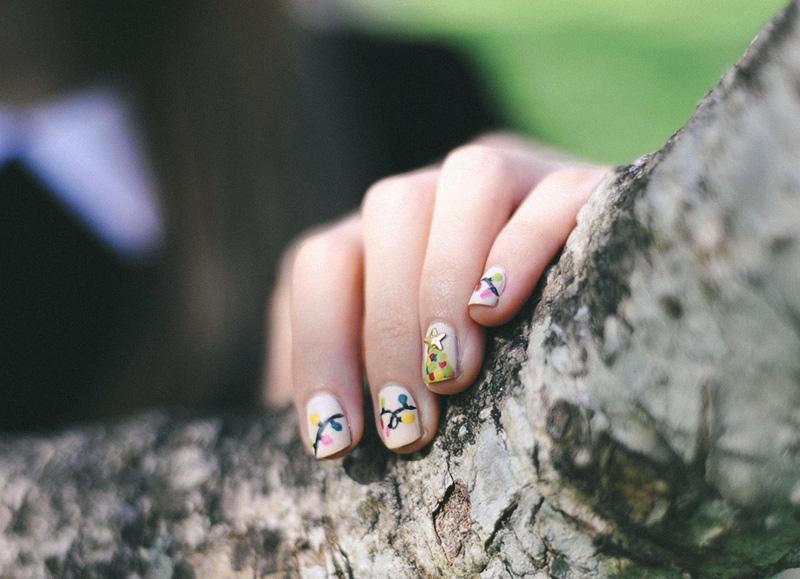 christmas fairy lights nail art