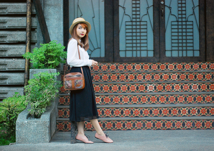 midi skirt, boater hat