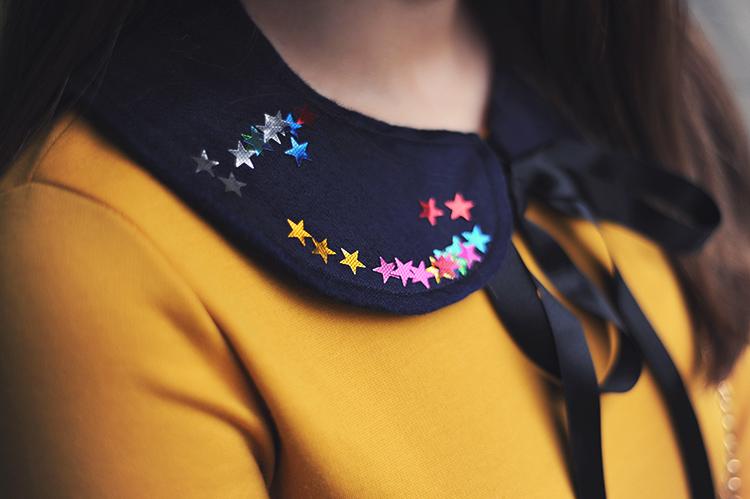 felt collar with stars