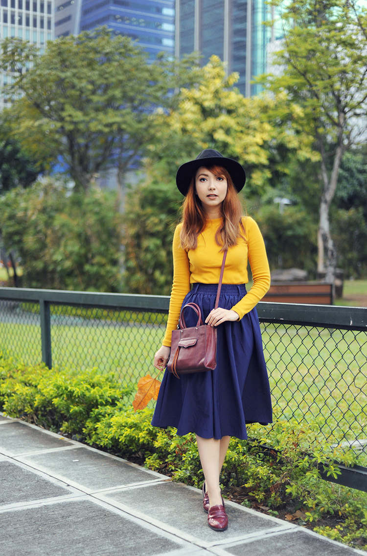fall outfit with hat