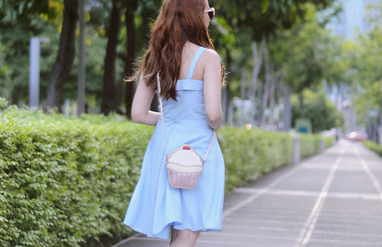 50s inspired pastel outfit